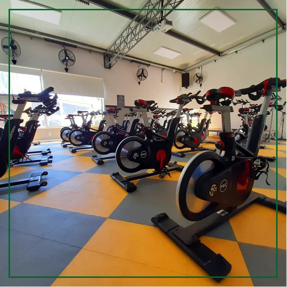 Vista parcial de la sala de Indoor Cycling - Paysandú Golf Club