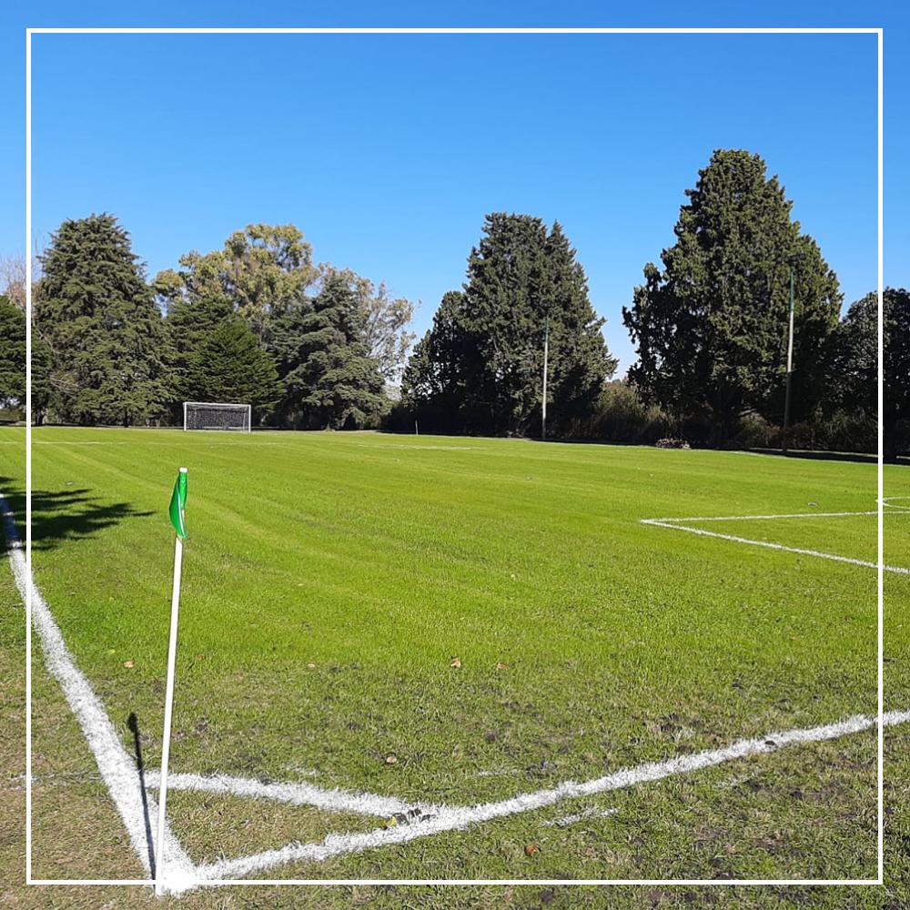 Vista parcial de la cancha de fútbol - Paysandú  Golf Club
