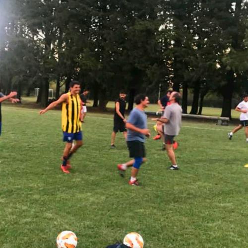 Jugando al Fútbol - Paysandú Golf Club